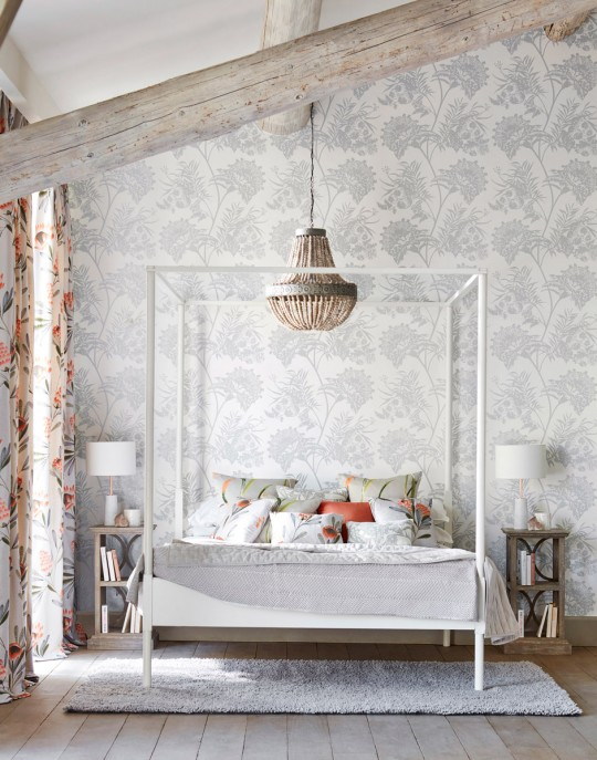 Florale Tapete Bavero Shimmer von Harlequin - Silver