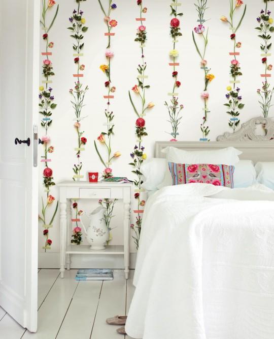 Florales Streifen-Wandbild Flower Garland von Eijffinger